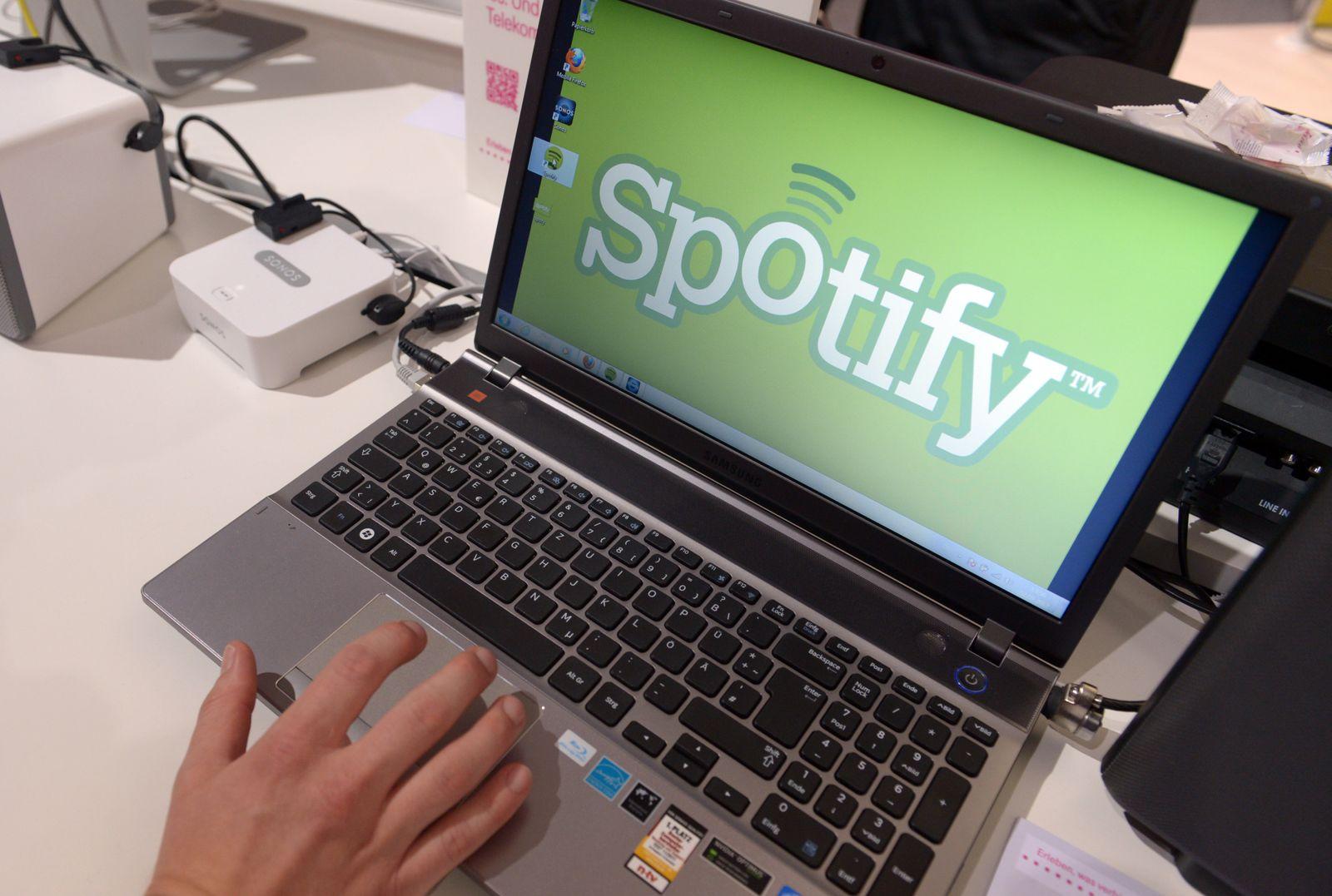 Spotify am Laptop / Musikstreaming