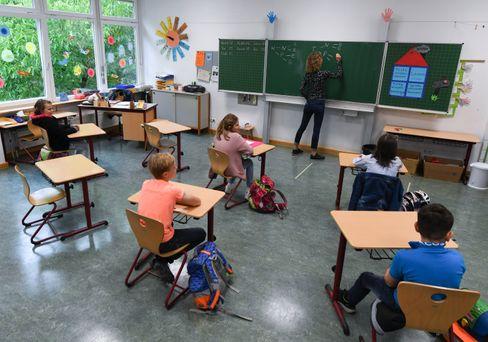 Grundschulklasse in Wiesbaden (Archivbild)