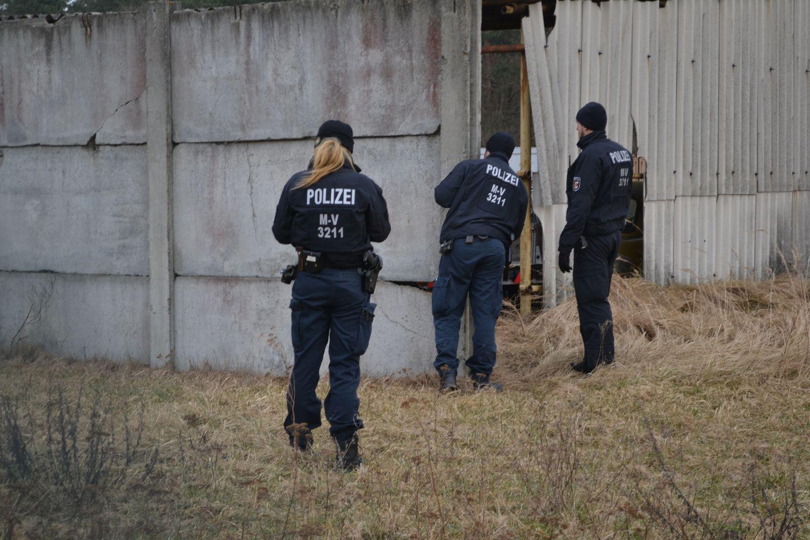 EINMALIGE VERWENDUNG Löcknitz/ Polizeieinsatz/ Razzia