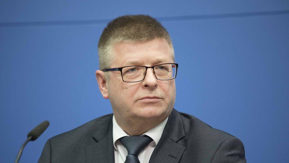 """Thomas Haldenwang, Präsident des Bundesamts für Verfassungsschutz: """"Unerträglich"""""""
