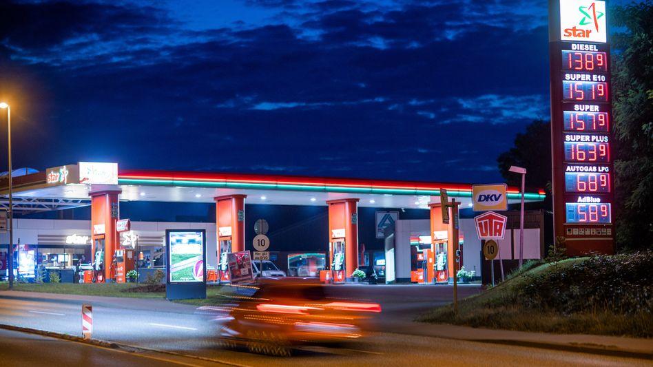 Tankstelle in Mecklenburg-Vorpommern im Juli: Energiepreise sind besonders für die Teuerung verantwortlich