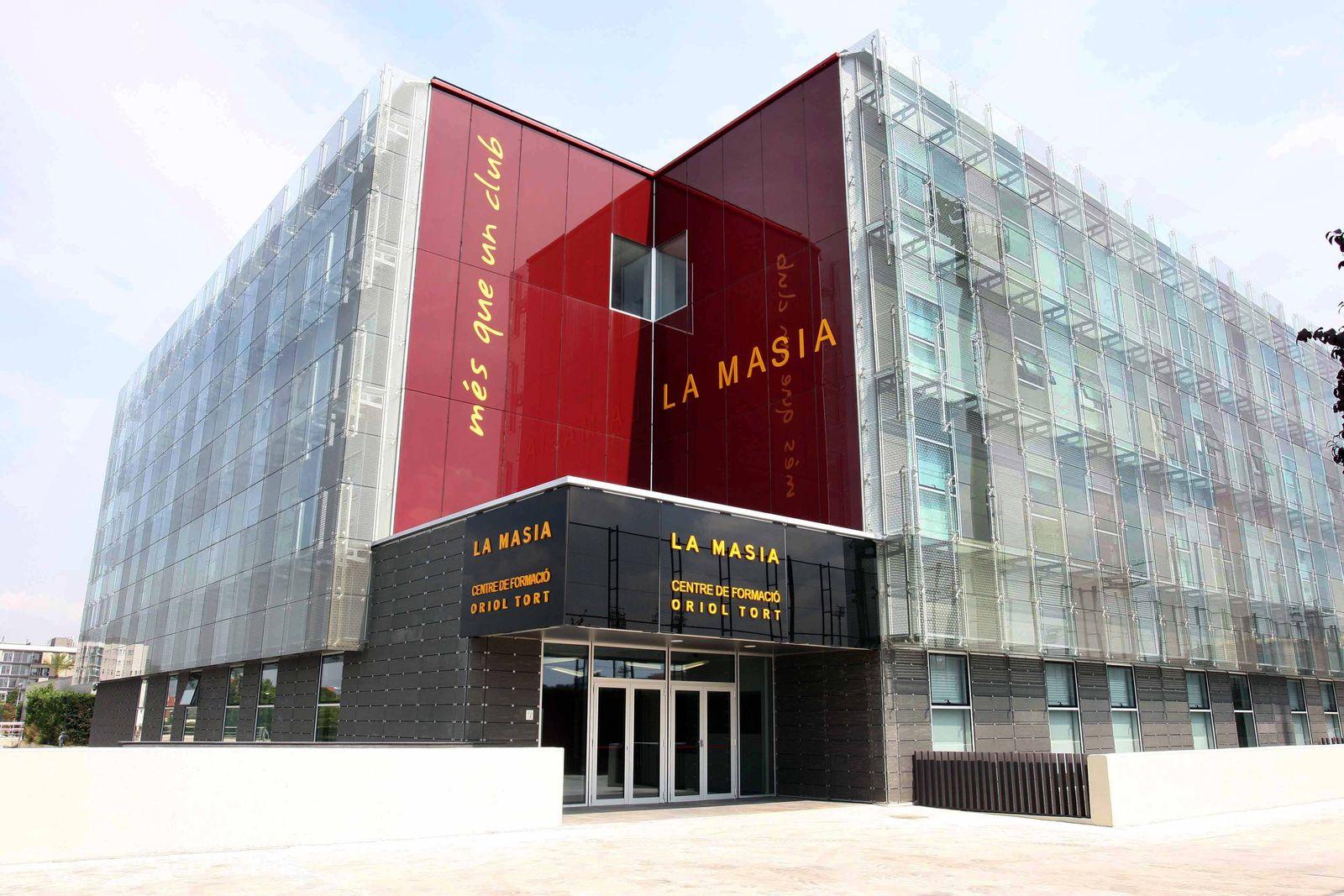 EINMALIGE VERWENDUNG La Masia/ neues Gebäude