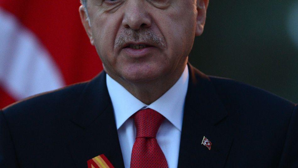 Präsident Erdogan: Neue Festnahmen von Polizisten