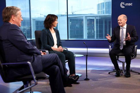 Armin Laschet (CDU), Annalena Baerbock (Bündnis 90/Die Grünen) und Olaf Scholz (SPD) bei einer ARD-Diskussionsrunde Ende Juni