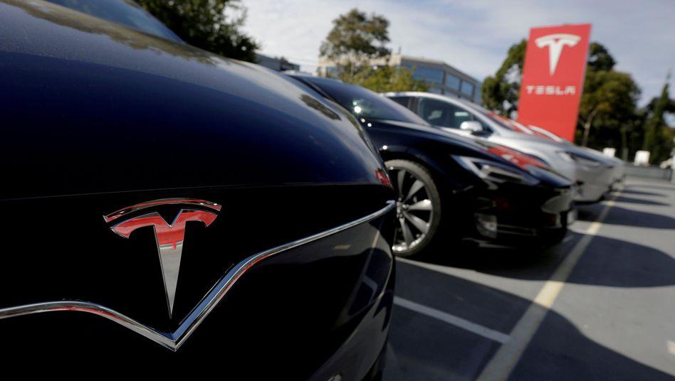 Tesla Fahrzeuge