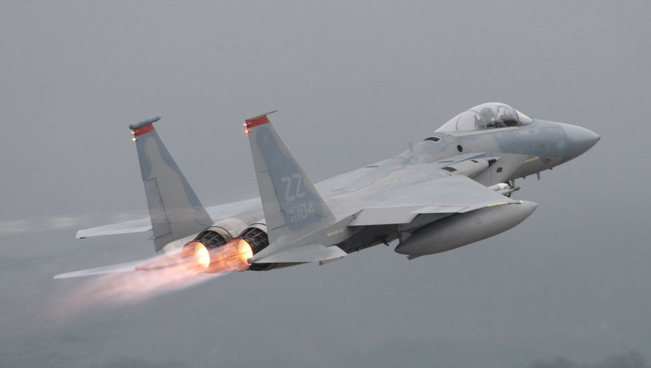 Start eines US-Kampfjets in Okinawa (Archivbild)