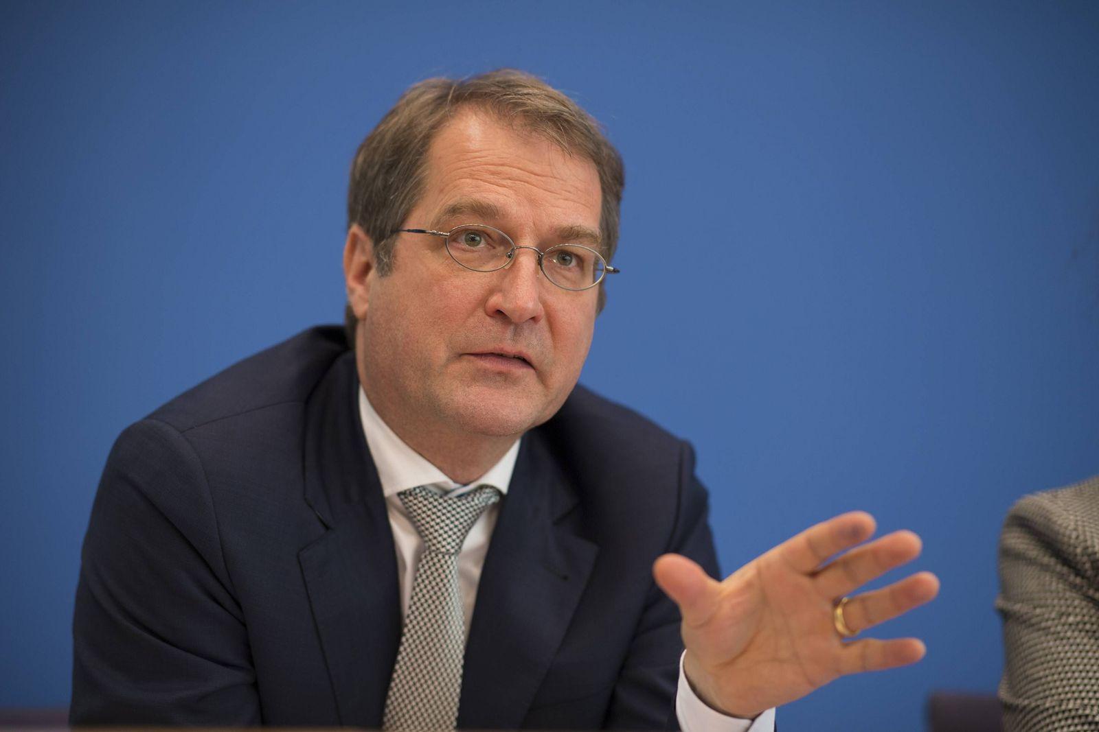 EINMALIGE VERWENDUNG Volker Wieland/ Wirtschaftsweise