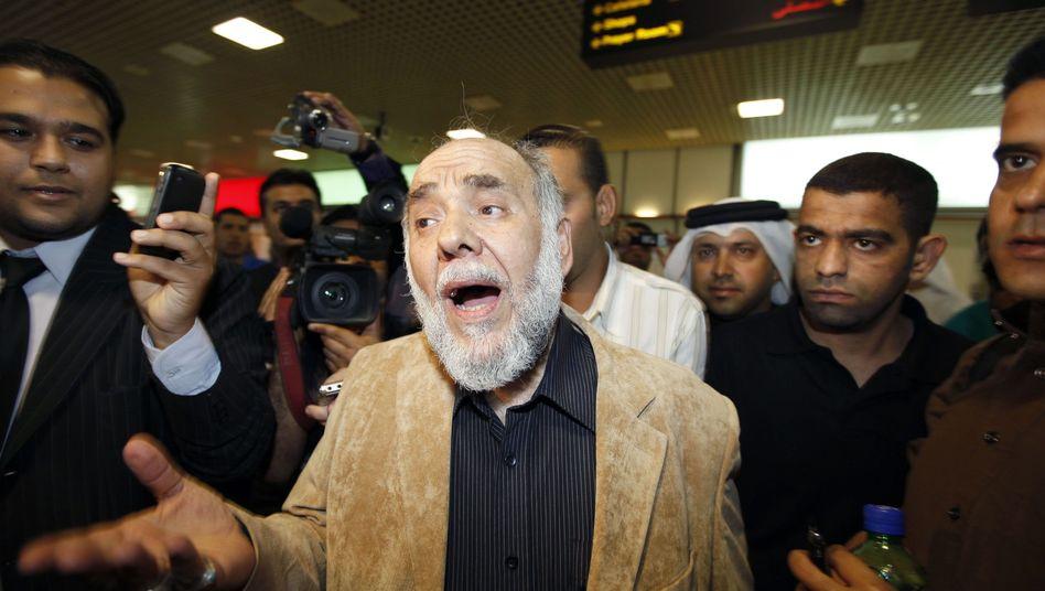 """Hassan Muschaima am Flughafen von Manama: """"Dialog ist nicht genug"""""""