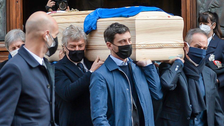 Beerdigung eines Idols: Trauerfeier für Paolo Rossi