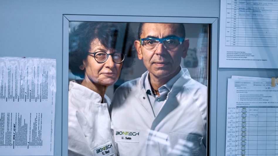 """Scientists Özlem Türeci and Uğur Şahin: """"We believe that everyone must decide for themselves whether or not to be vaccinated."""""""
