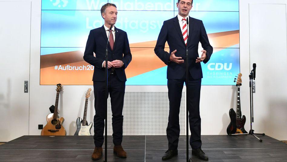 Der Thüringer CDU-Generalsekretär Raymond Walk steht neben dem Fraktionschef und Spitzenkandidat Mike Mohring