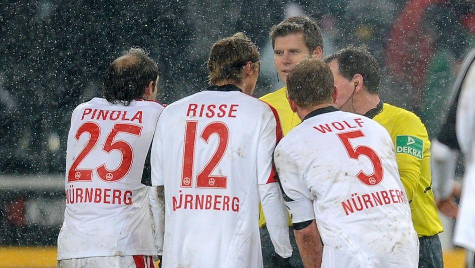 """Nürnberger Spieler, Schiedsrichter Meyer: """"Keine glückliche Ehe"""""""