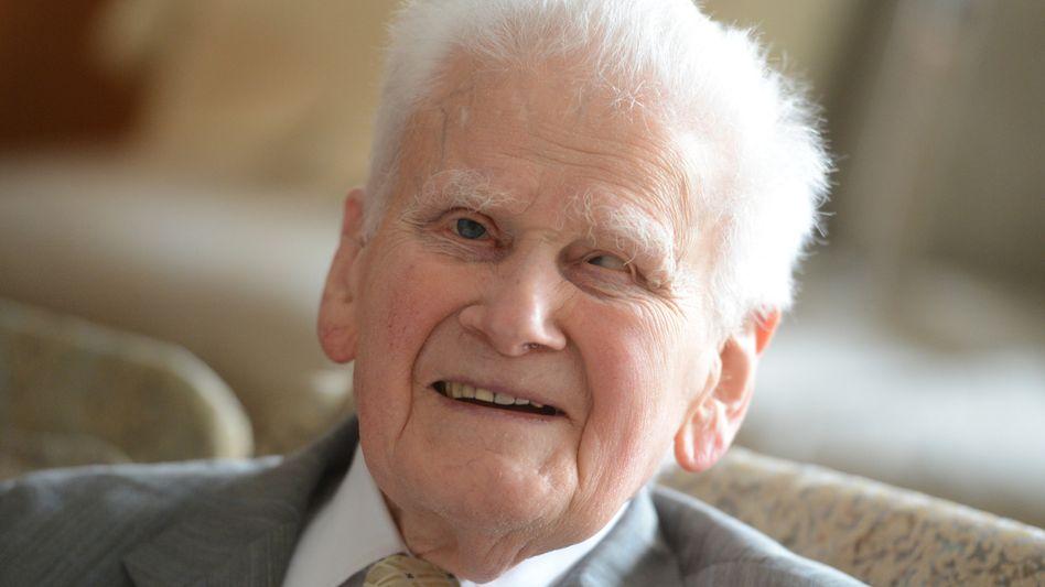 Hans-Eugen Schulze, 89, ist seit frühester Kindheit blind