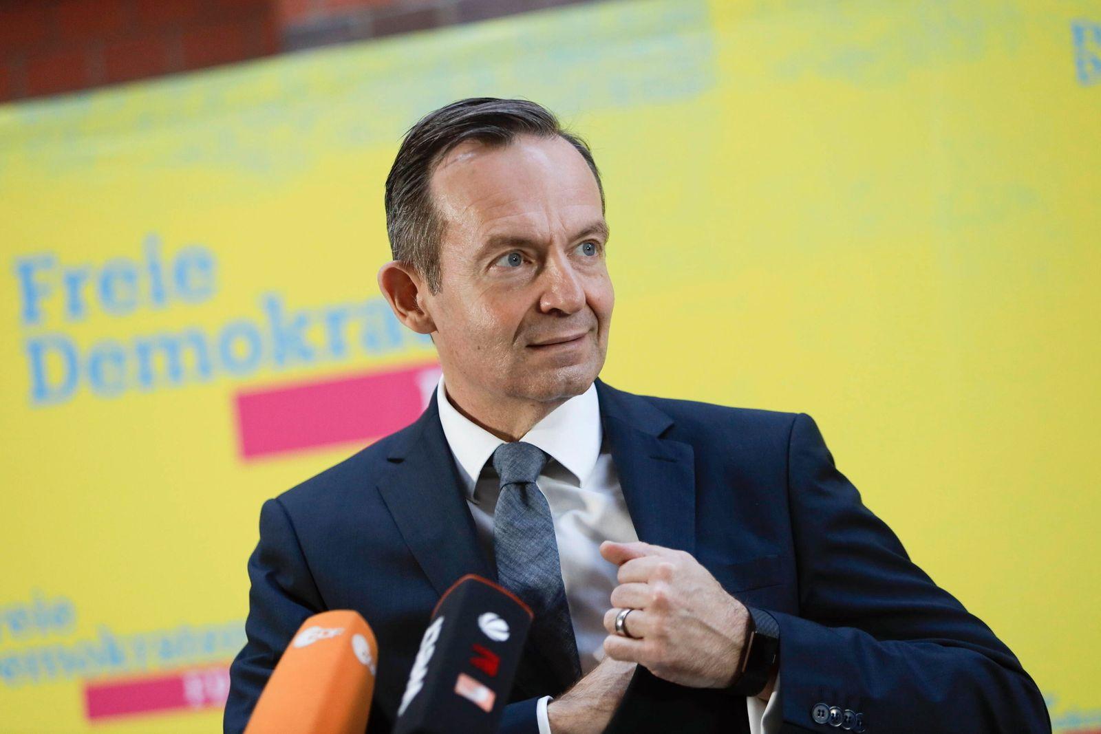 02.11.2020, Berlin, Deutschland - Foto: Volker Wissing, FDP-Generalsekretaer, bei einem Pressestatement vor Medienvertr