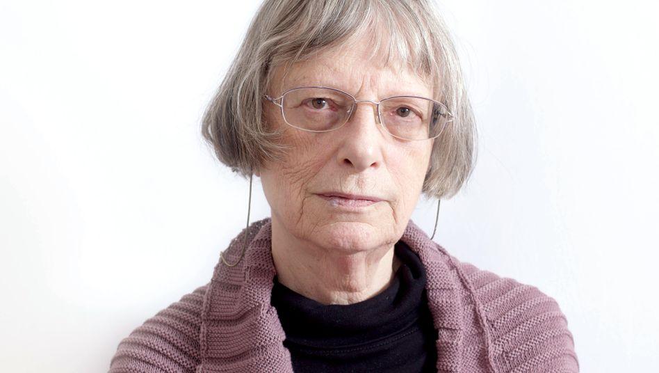 """Elke Erb: Ihr erstes Buch """"Gutachten, Poesie und Prosa"""" erschien 1975"""