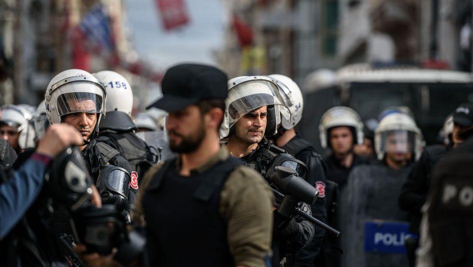 Polizisten in Diyarbakir