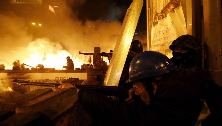 Photo Gallery: Street Battles in Kiev