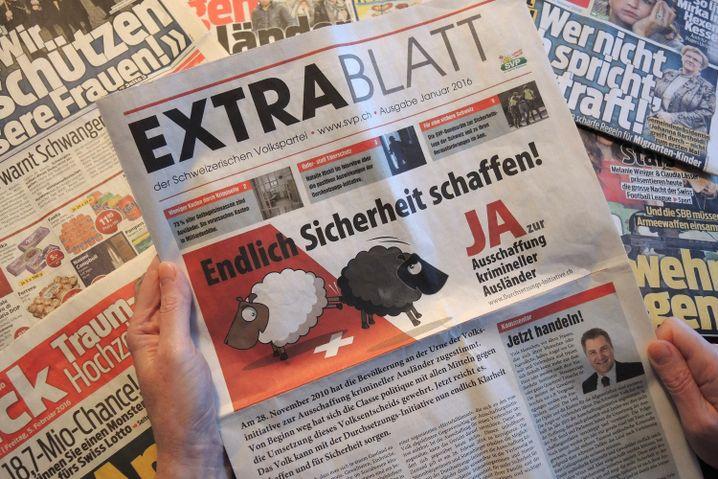 """Kostenloses """"Extrablatt"""" der Schweizer Rechtspopulisten von der SVP"""