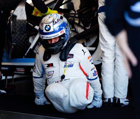 Zwischen 2005 und 2009 fuhrZanardiwieder Motorrennen und nahm fürBMWan der Tourenwagen-Weltmeisterschaft (WTCC) teil