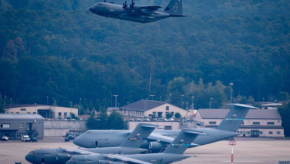 Ramstein Air Base in der Nähe von Kaiserslautern: Der geplante Abzug von etwa 9500 Soldaten ist umstritten
