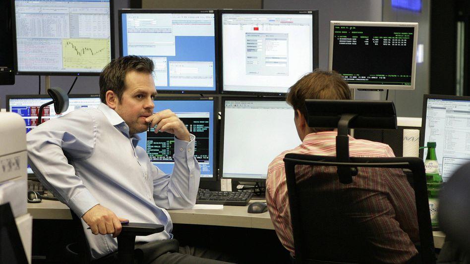 Börsenhändler in Frankfurt am Main: Stimmungsumschwung bei Investoren