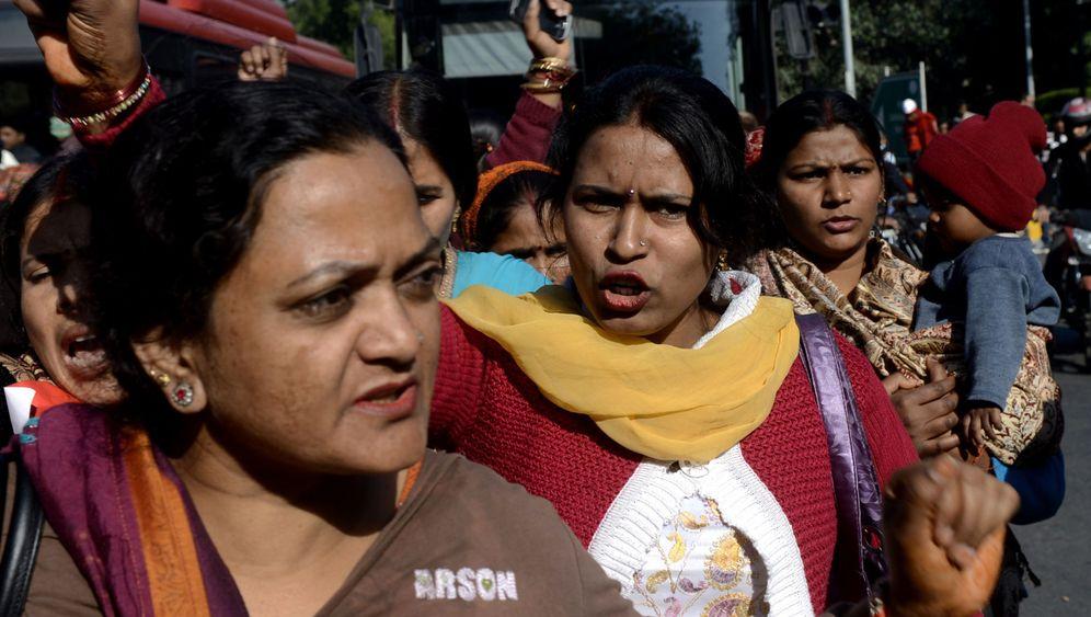"""Proteste nach Gruppenvergewaltigung: """"Neu-Delhi schämt sich"""""""