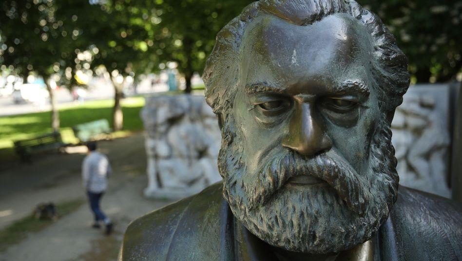 Marx-Statue in Berlin: Alte Gedankenspiele, wieder ziemlich aktuell