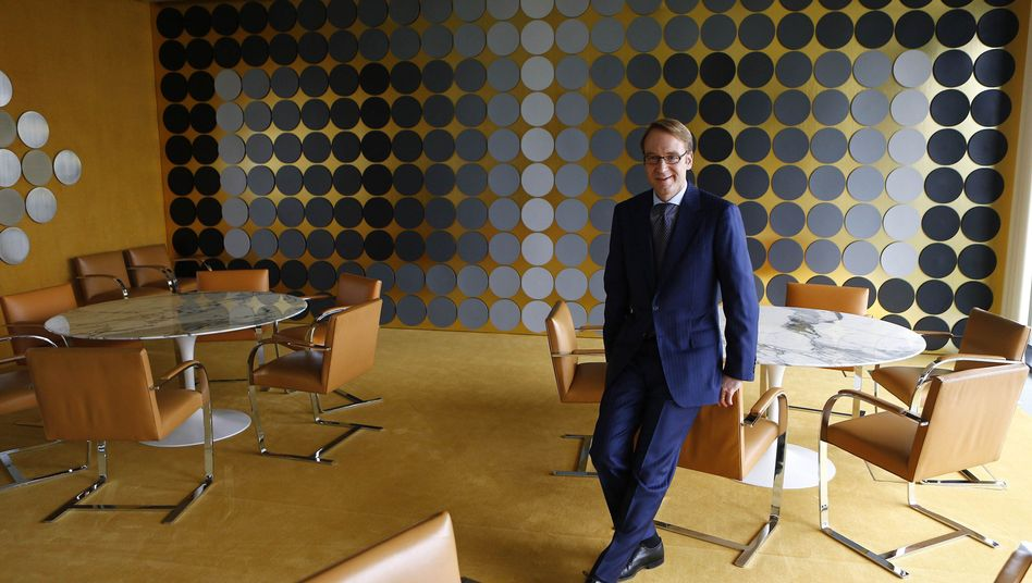 """Head of Germany's central bank Jens Weidmann in his office: """"I don't think much of speculating."""""""