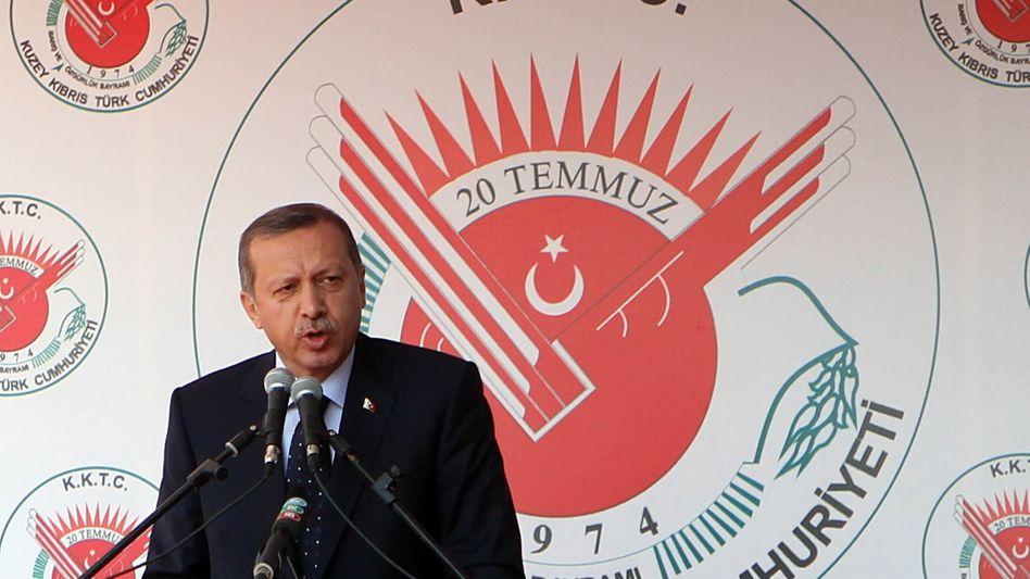 """Türkischer Premier Erdogan auf Zypern: """"Alles muss neu verhandelt werden"""""""