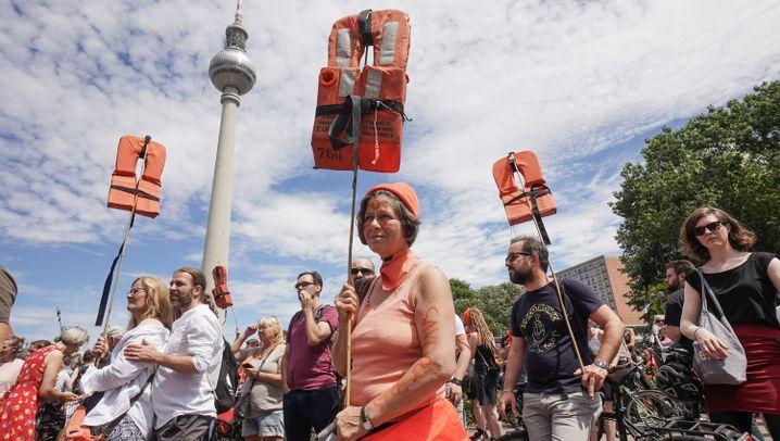 """Demonstrationen: """"Stoppt das Sterben im Mittelmeer"""""""