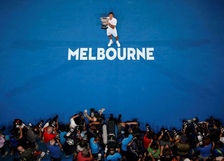 Roger Federer nach seinem Triumph 2018