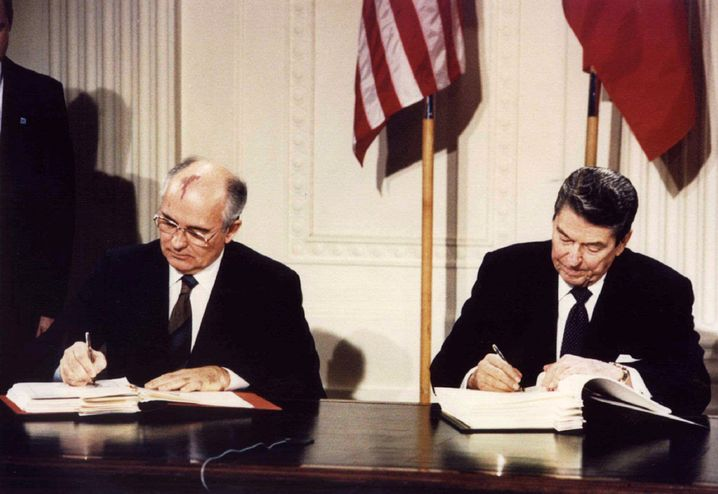 Soviet President Mikhail Gorbachev and U.S. President Ronald Reagan signing the INF treaty at the White House in 1987.