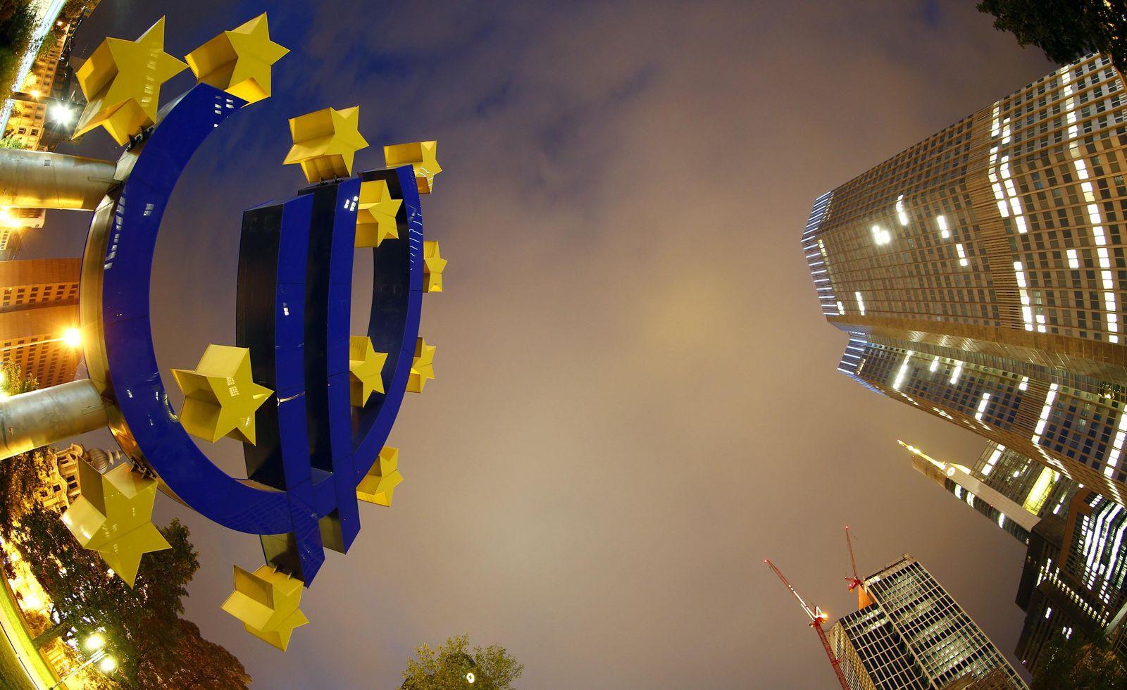 EUROZONE-ECONOMY/