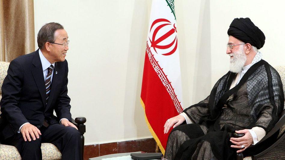 "Ban (l.), Chamenei: ""Starke Ablehnung"""