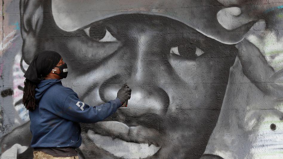 Erinnerung an Ahmaud Arbery: Ein Graffiti in Dallas ist dem Toten nachempfunden
