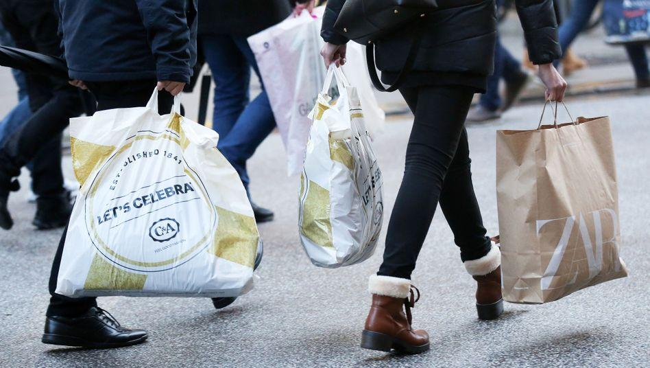 Einkaufsstraße in Hamburg: Rekordbeschäftigung sorgt für gute Umsätze