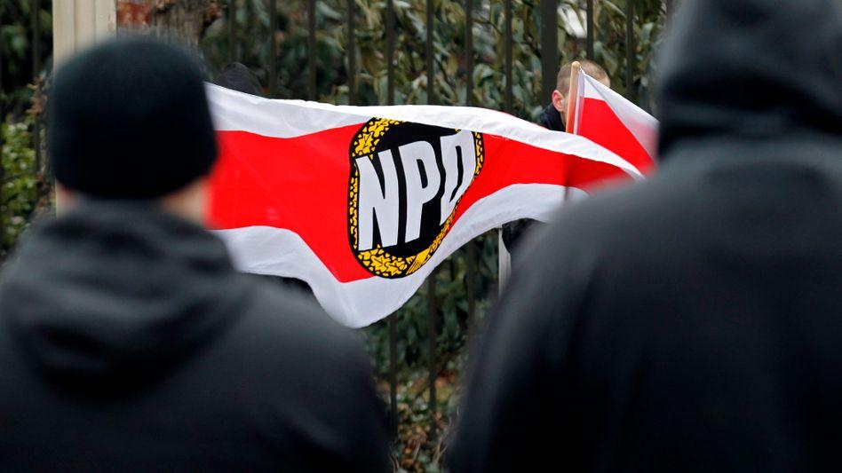 Anhänger der NPD in Ludwigshafen (Archivbild): Terroranrufe gegen Funktionäre