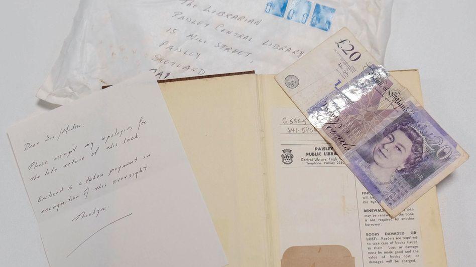 Verspätete Rückgabe: Kochbuch nebst 20 Pfund und Entschuldigungsbrief