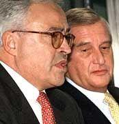 Sehen sich Rücktrittsforderungen ausgesetzt: Breuer, Walter