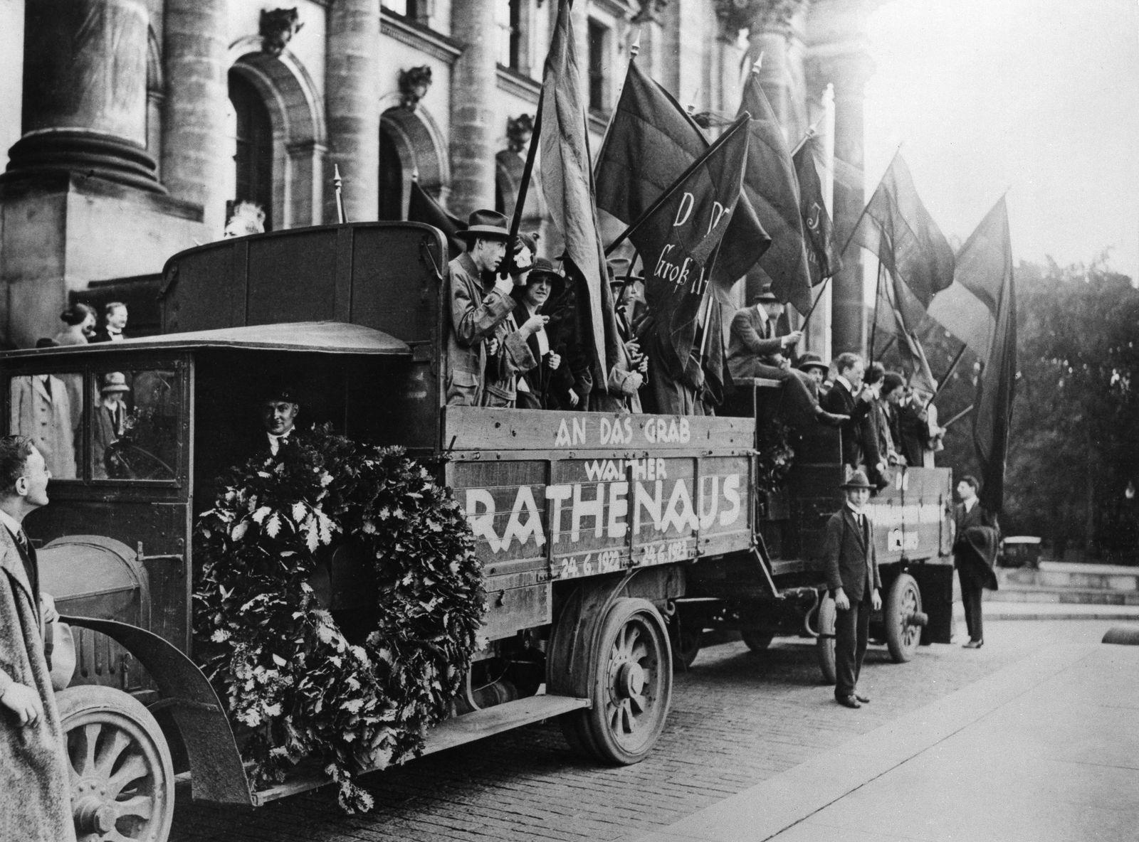 Gedenken zum 1. Todestag von Walther Rathenau