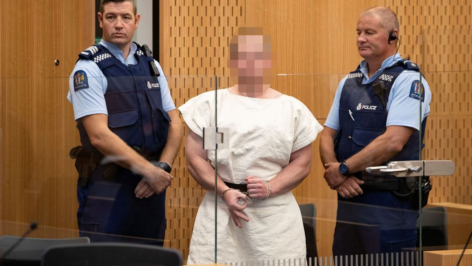 Brenton Tarrant (M.) muss sich auch wegen versuchten Mordes in 39 Fällen verantworten