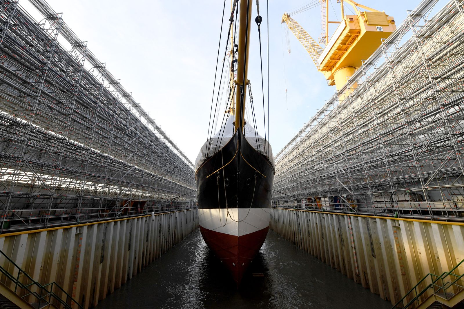 "Ausdocken des Segelschiffs ""Peking"""
