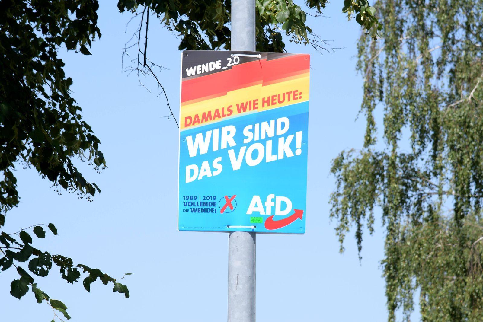 EINMALIGE VERWENDUNG AFD Plakat/ Damals wie heute: Wir sind das Volk/ Wende 2.0/ Vollende die Wende