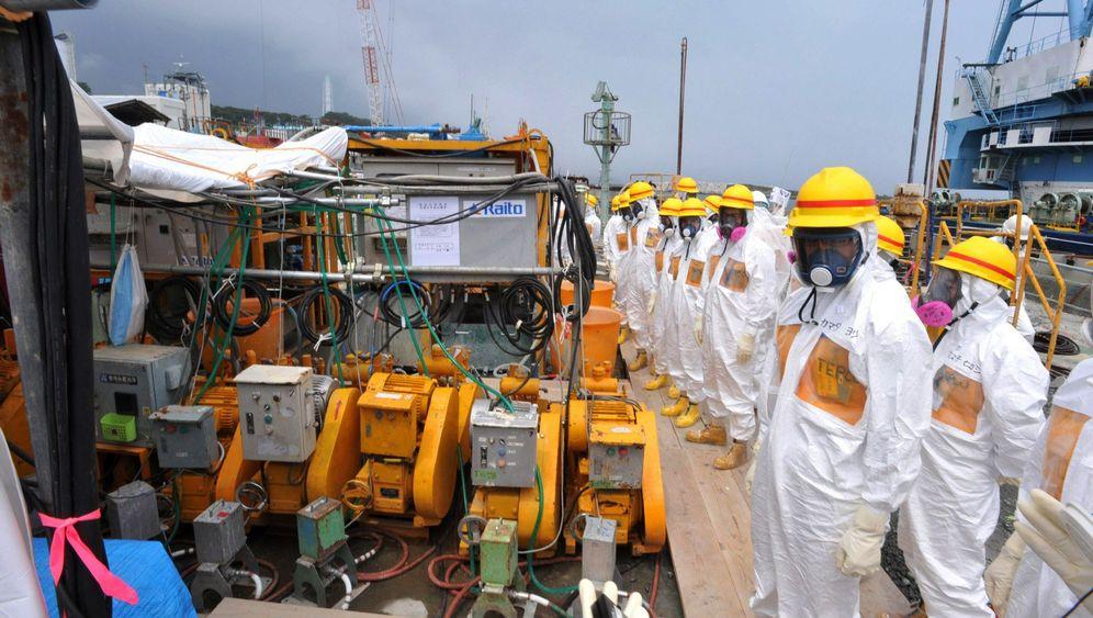 Kampf gegen Kontamination: Schutzwall um Atomruine Fukushima