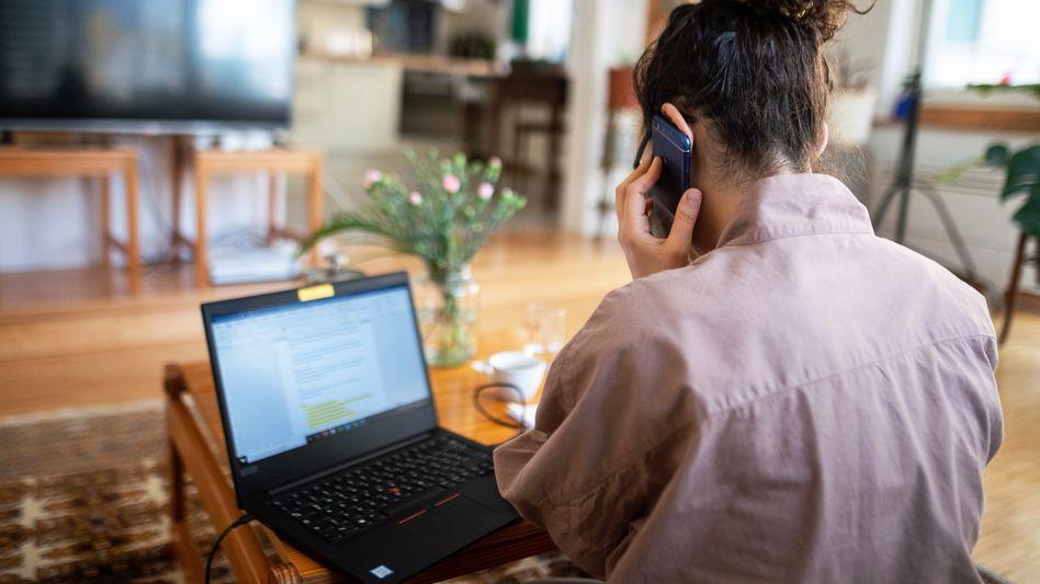 Homeoffice (Archivfoto): In vielen Firmen dauerhaft – und dann hoffentlich nicht mehr am Wohnzimmertisch
