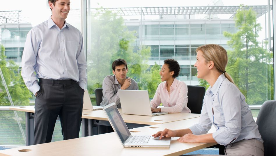 Arbeitgeber dürfen ihre Mitarbeiter nicht zum Stillschweigen über ihr Gehalt verpflichten