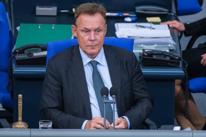 Thomas Oppermann bei der Leitung einer Bundestagssitzung Anfang Oktober
