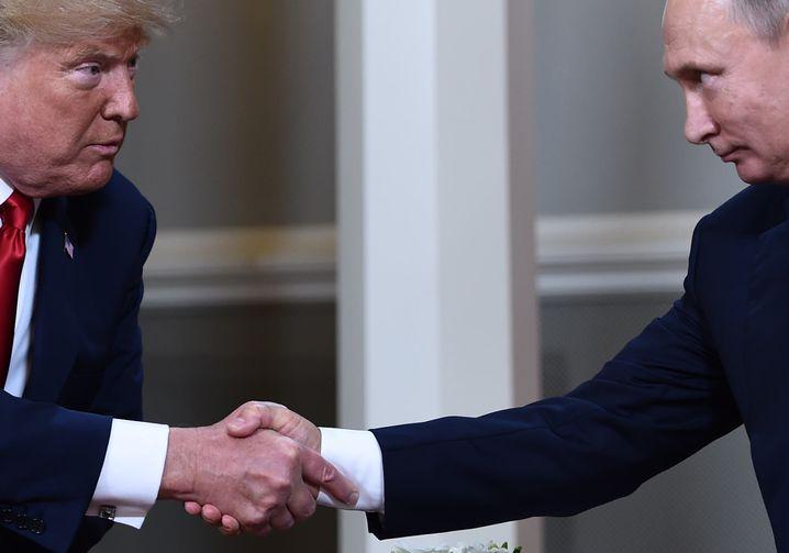 Donald Trump, Wladimir Putin (r., Archiv)