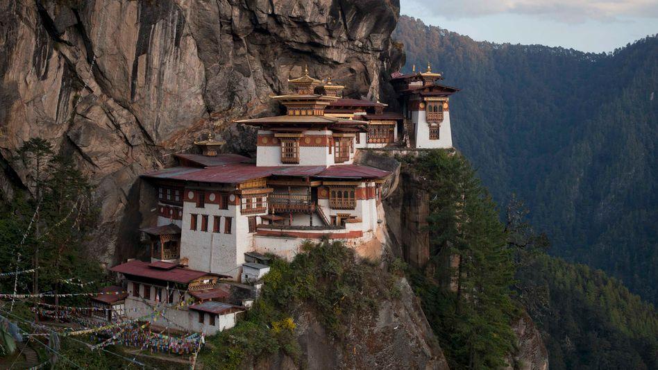 Bhutans berühmtes Taktshang Kloster: Das Leben auf über 2000 Meter Höhe könnte so schön sein