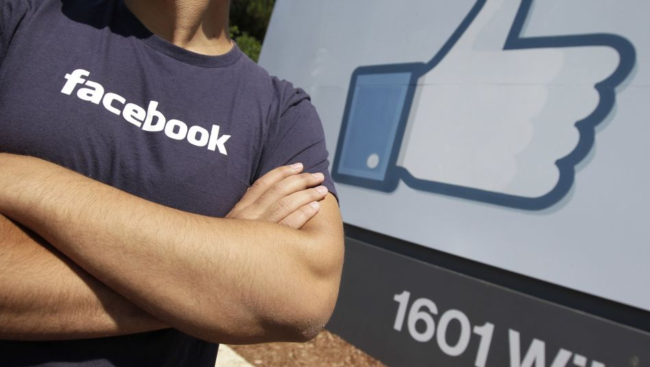 Facebook-Mitarbeiter: Zwei Wochen oder Zwangsgeld